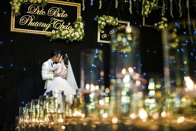 MC Đức Bảo Chúng tôi là chiến sĩ đắm đuối hôn cô dâu trong lễ cưới - Ảnh 12.