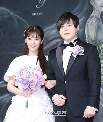 """Những sao Hàn từng """"gây sốc"""" khi bất ngờ tuyên bố kết hôn - Ảnh 7."""