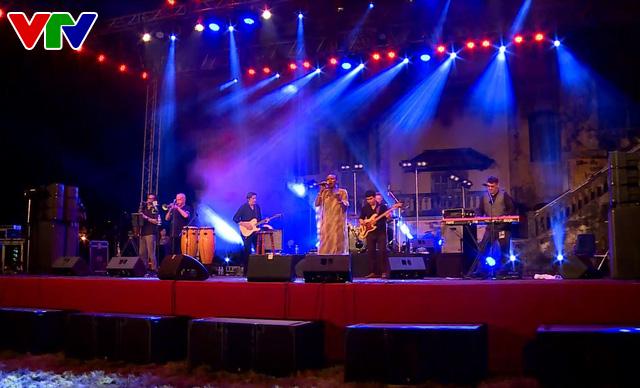 Festival Huế 2018: Cảm xúc thăng hoa trong bữa tiệc âm nhạc quốc tế - Ảnh 1.