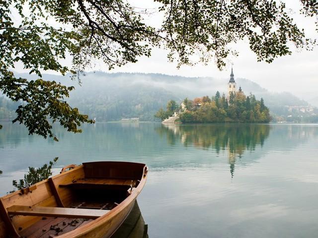 15 hồ có vẻ đẹp hút hồn nhất thế giới - Ảnh 2.