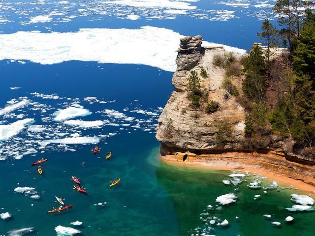 15 hồ có vẻ đẹp hút hồn nhất thế giới - Ảnh 14.