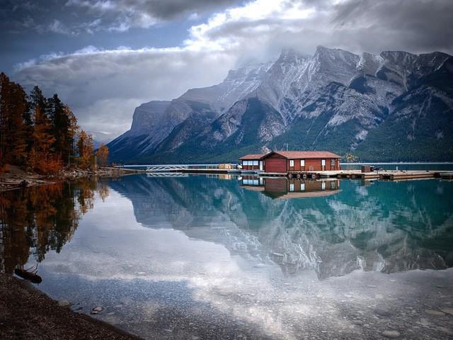 15 hồ có vẻ đẹp hút hồn nhất thế giới - Ảnh 4.