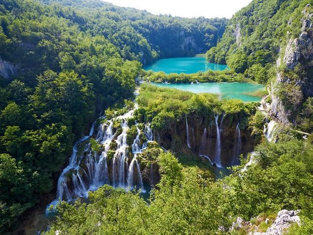 15 hồ có vẻ đẹp hút hồn nhất thế giới - Ảnh 9.