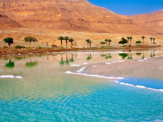15 hồ có vẻ đẹp hút hồn nhất thế giới - Ảnh 10.