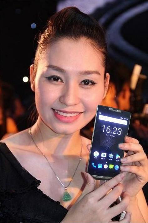 Điều gì khiến nghìn người háo hức với smartphone DUVITEL pin khủng? - Ảnh 1.