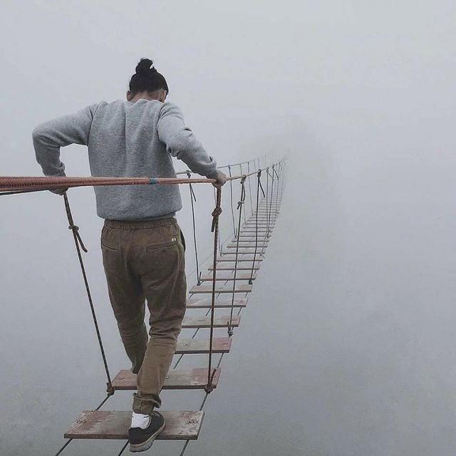 Thót tim dò từng bước trên cây cầu dẫn tới địa ngục - Ảnh 6.