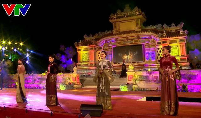 Festival Huế 2018: Lễ hội áo dài tôn vinh Quốc phục Việt Nam - Ảnh 2.