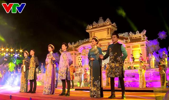 Festival Huế 2018: Lễ hội áo dài tôn vinh Quốc phục Việt Nam - Ảnh 3.