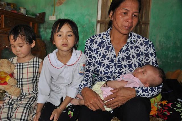 Mẹ bị sét đánh chết, bé hơn 1 tháng tuổi ngằn ngặt khóc khát sữa - Ảnh 3.