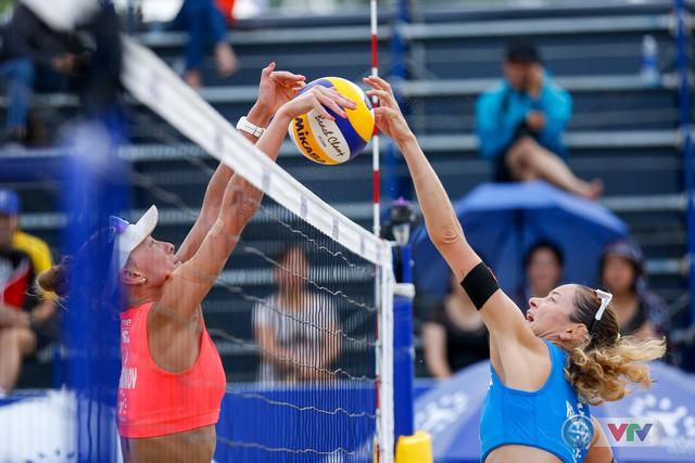 Ảnh: Những khoảnh khắc ấn tượng tại giải bóng chuyền bãi biển nữ thế giới - Tuần Châu Hạ Long mở rộng 2018 ngày 11/5 - Ảnh 8.