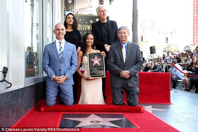 Sao phim Avatar được vinh danh trên Đại lộ danh vọng Hollywood - Ảnh 2.