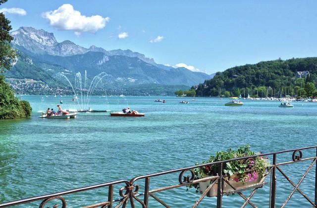Những hồ nước quyến rũ nhất nước Pháp - Ảnh 1.