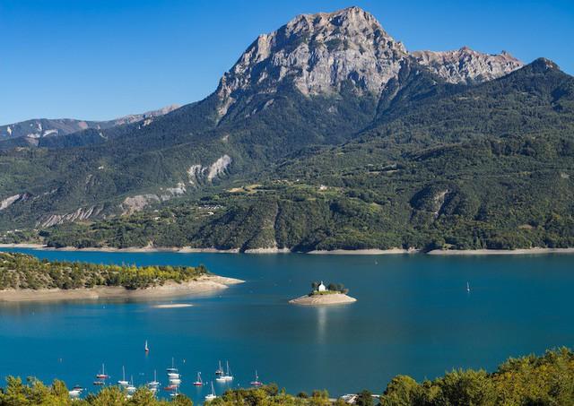 Những hồ nước quyến rũ nhất nước Pháp - Ảnh 2.