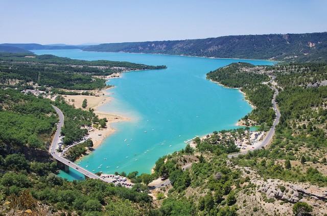 Những hồ nước quyến rũ nhất nước Pháp - Ảnh 4.