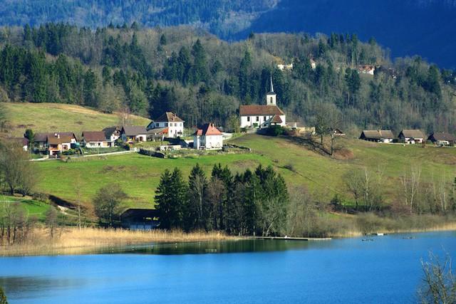 Những hồ nước quyến rũ nhất nước Pháp - Ảnh 6.