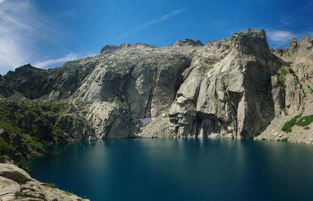 Những hồ nước quyến rũ nhất nước Pháp - Ảnh 8.