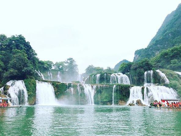 Chiêm ngưỡng vẻ đẹp nghẹt thở của thác nước đẹp nhất Việt Nam - Ảnh 1.