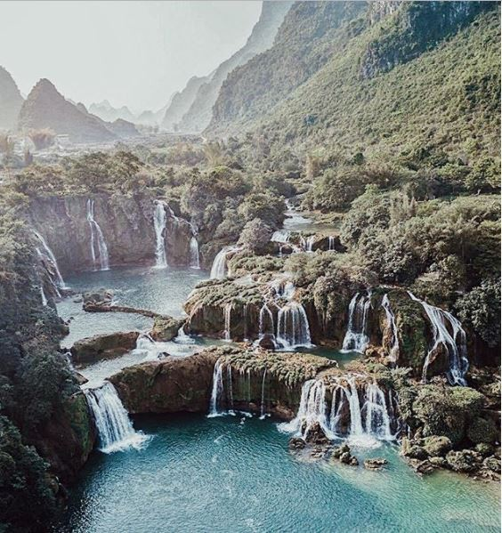 Chiêm ngưỡng vẻ đẹp nghẹt thở của thác nước đẹp nhất Việt Nam - Ảnh 2.