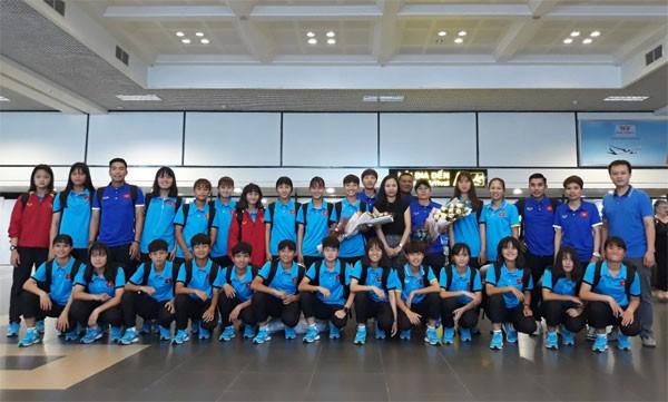 Đội tuyển U16 nữ Việt Nam về nước, kết thúc chuyến thi đấu AFF U16 nữ 2018 - Ảnh 1.