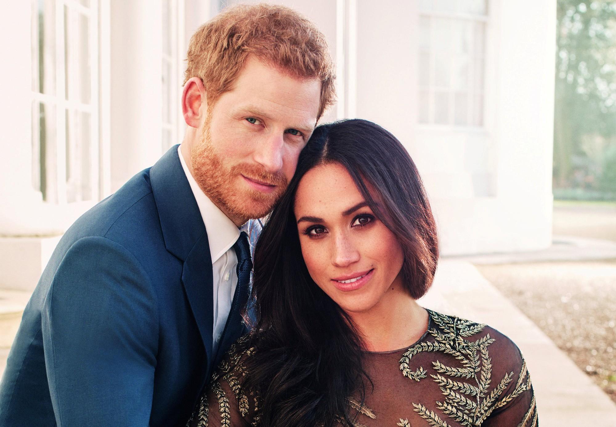 Những đám cưới đẹp như cổ tích trong lịch sử 100 năm hoàng gia Anh - Ảnh 31.