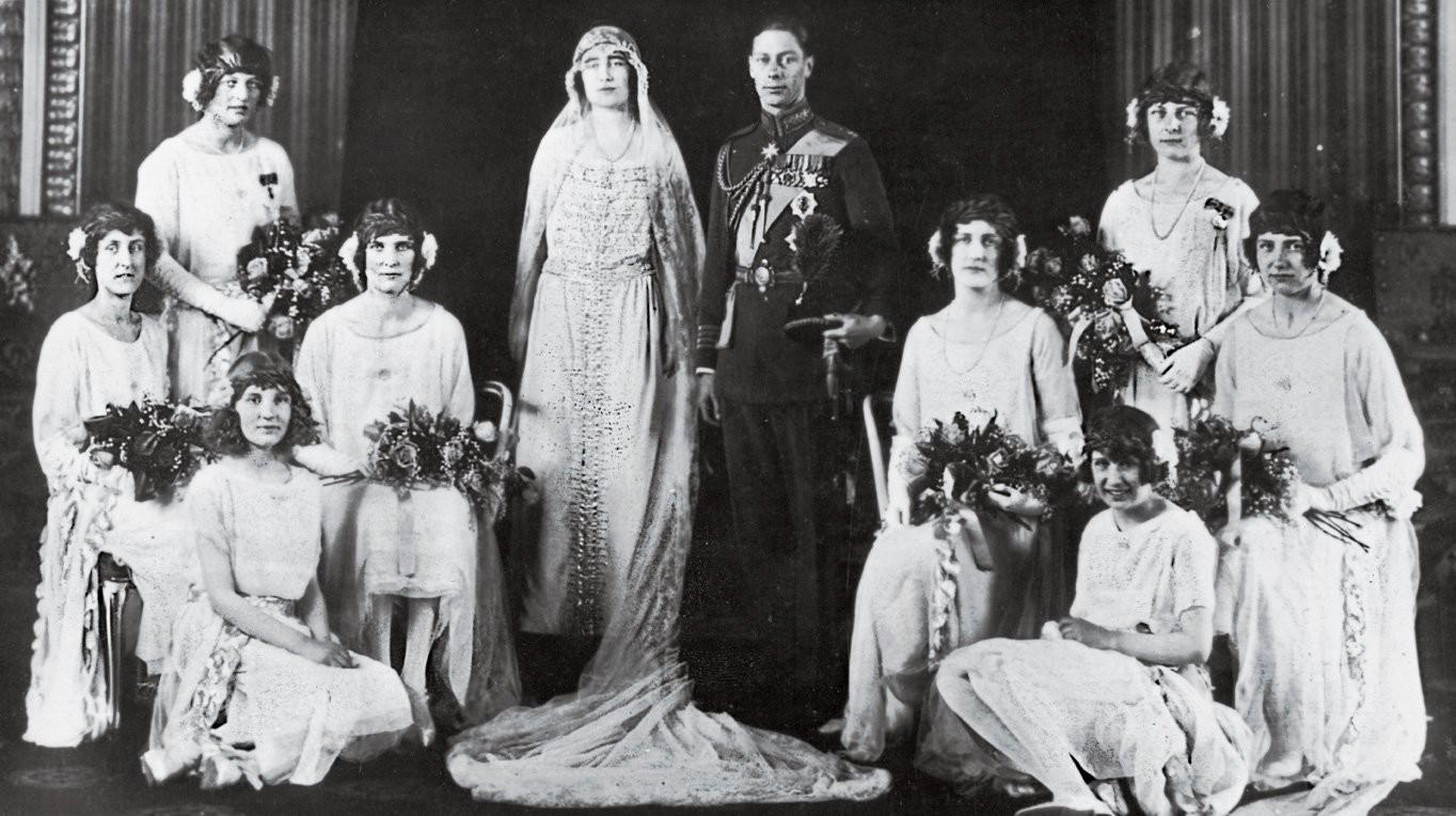 Những đám cưới đẹp như cổ tích trong lịch sử 100 năm hoàng gia Anh - Ảnh 4.