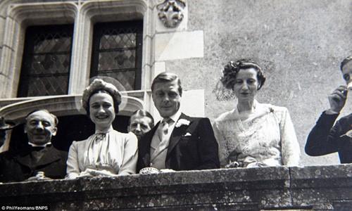 Những đám cưới đẹp như cổ tích trong lịch sử 100 năm hoàng gia Anh - Ảnh 1.