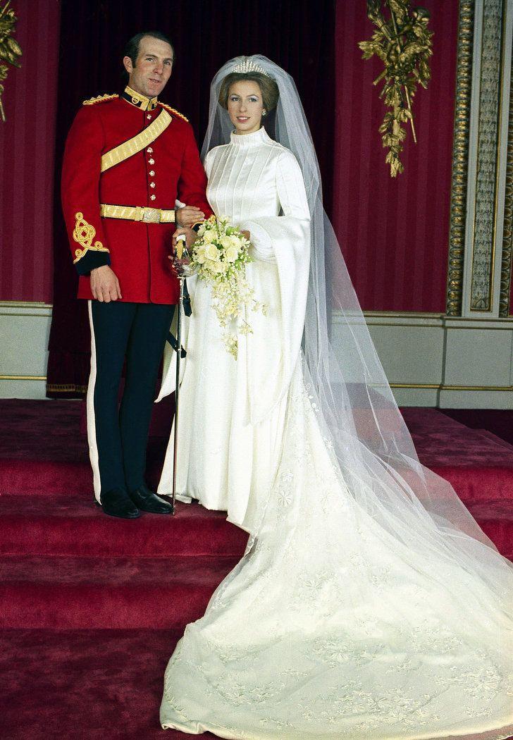 Những đám cưới đẹp như cổ tích trong lịch sử 100 năm hoàng gia Anh - Ảnh 13.