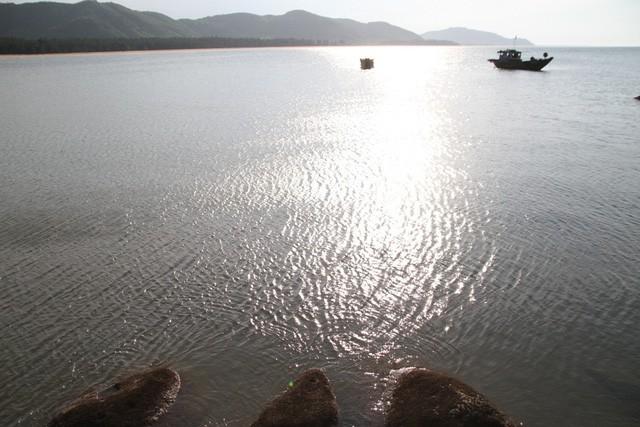 Mê mẩn nét đẹp hoang sơ biển Lộc Bình - Ảnh 10.