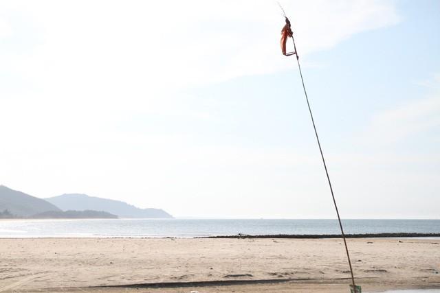 Mê mẩn nét đẹp hoang sơ biển Lộc Bình - Ảnh 2.