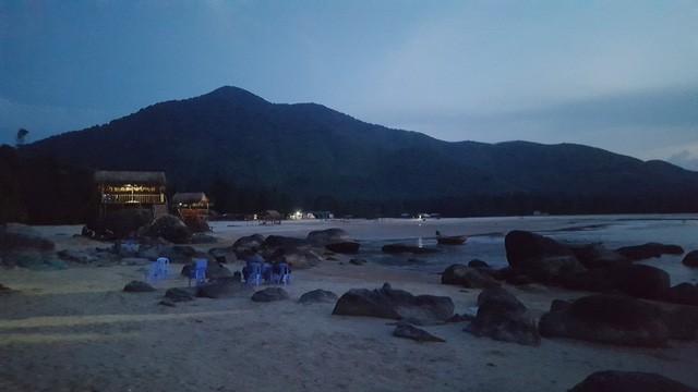 Mê mẩn nét đẹp hoang sơ biển Lộc Bình - ảnh 20
