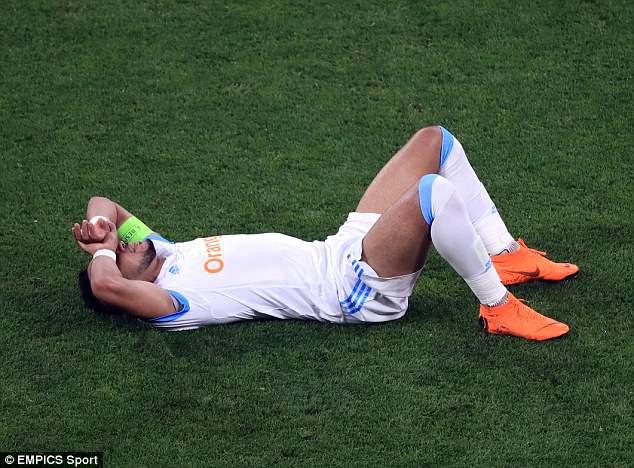 Nguy cơ lỡ World Cup, Payet khóc như mưa vì chấn thương - Ảnh 1.