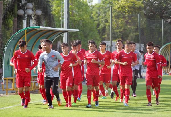 U19 Việt Nam tập buổi đầu tiên: Tích cực ngay từ điểm xuất phát - Ảnh 1.