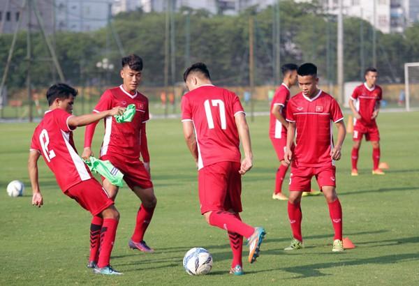 U19 Việt Nam tập buổi đầu tiên: Tích cực ngay từ điểm xuất phát - Ảnh 2.