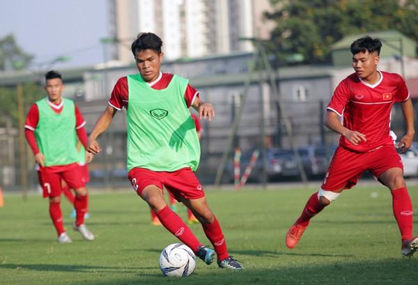 U19 Việt Nam tập buổi đầu tiên: Tích cực ngay từ điểm xuất phát - Ảnh 3.