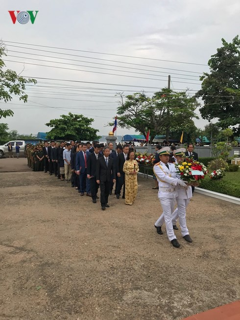 Lễ kỷ niệm 128 năm Ngày sinh Chủ tịch Hồ Chí Minh tại Lào - Ảnh 1.