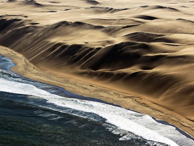 Chiêm ngưỡng vẻ đẹp kì lạ của Trái đất qua 25 bức ảnh - Ảnh 19.