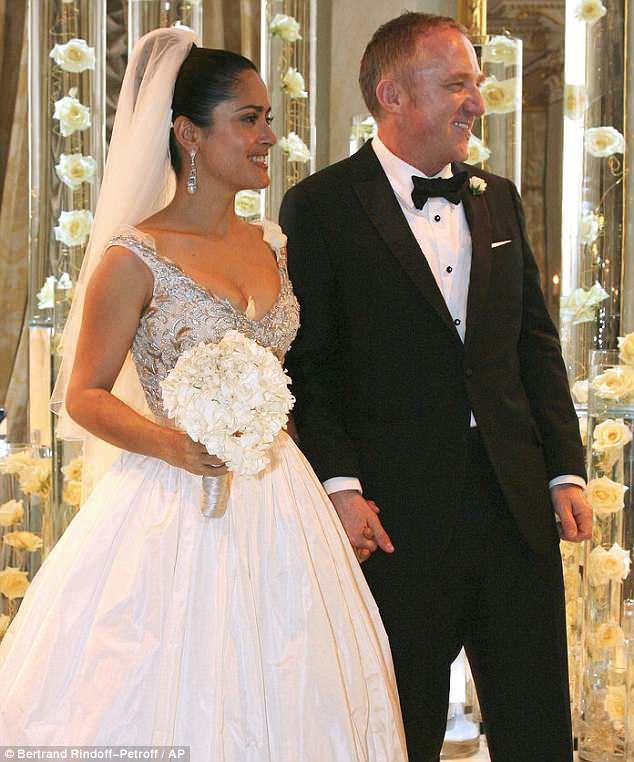 """10 thiết kế váy cưới tuyệt đẹp """"ám ảnh"""" mọi cô dâu - Ảnh 6."""