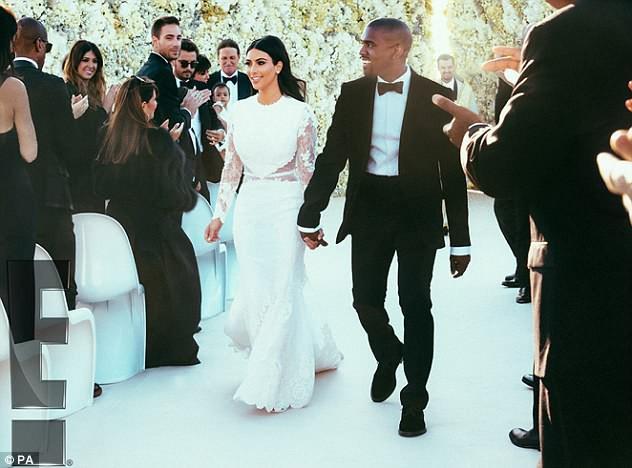 """10 thiết kế váy cưới tuyệt đẹp """"ám ảnh"""" mọi cô dâu - Ảnh 9."""