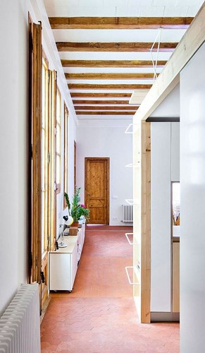 Sử dụng nội thất sáng tạo trong căn hộ 70m2 - Ảnh 3.