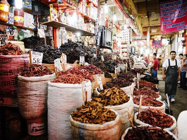 9 khu chợ nổi tiếng khắp thế giới - Ảnh 4.