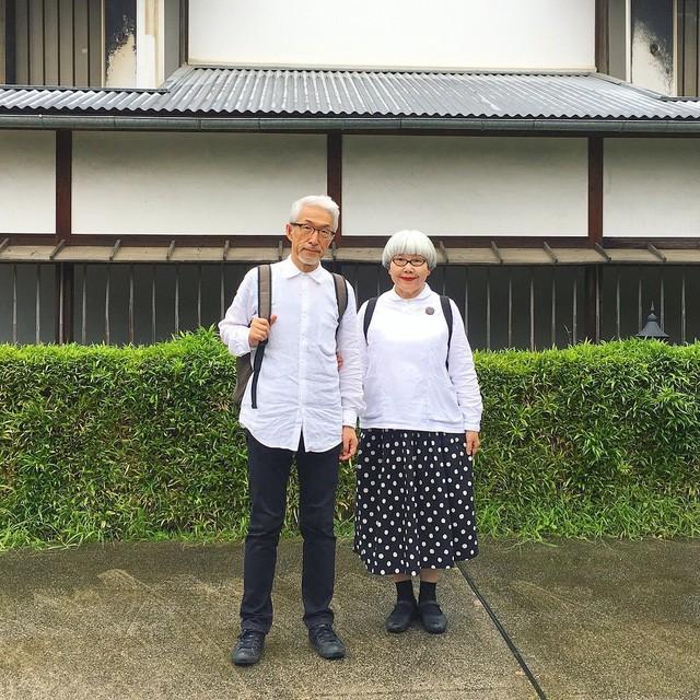 Cặp vợ chồng nổi tiếng ở tuổi U70 vì… mặc đồ đôi tuyệt đẹp - Ảnh 9.