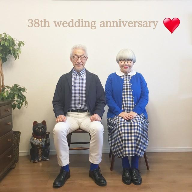 Cặp vợ chồng nổi tiếng ở tuổi U70 vì… mặc đồ đôi tuyệt đẹp - Ảnh 10.