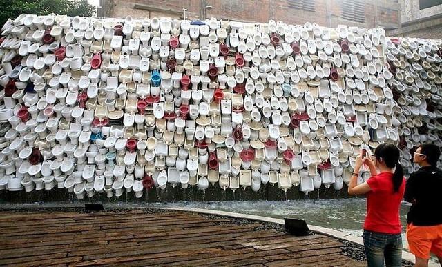 Những bức tượng kỳ lạ đến khó hiểu ở Trung Quốc - Ảnh 3.