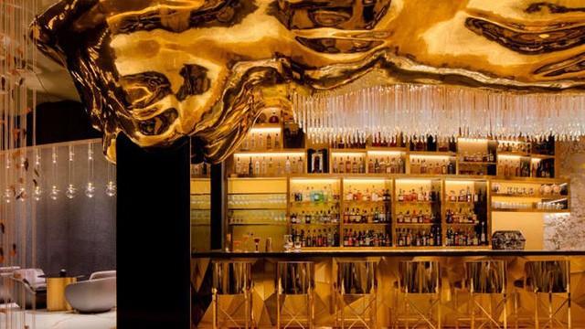 Khám phá nhà hàng chuyên dùng vàng để trang trí món ăn tại Dubai - Ảnh 1.