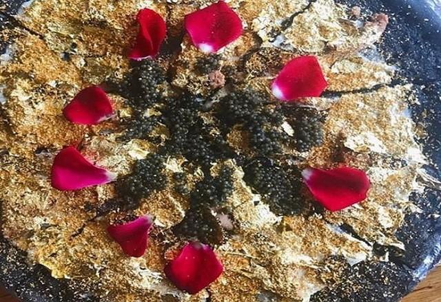 Khám phá nhà hàng chuyên dùng vàng để trang trí món ăn tại Dubai - Ảnh 11.
