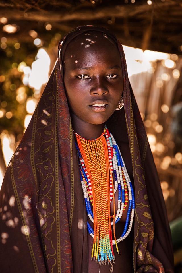 Nữ nhiếp ảnh gia đi khắp thế giới để ghi lại vẻ đẹp của người phụ nữ - Ảnh 3.