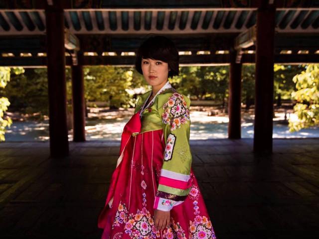 Nữ nhiếp ảnh gia đi khắp thế giới để ghi lại vẻ đẹp của người phụ nữ - Ảnh 6.