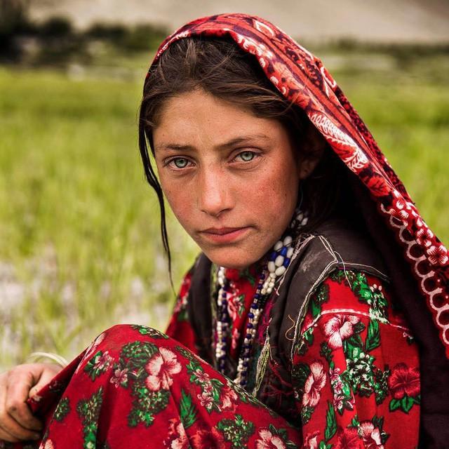 Nữ nhiếp ảnh gia đi khắp thế giới để ghi lại vẻ đẹp của người phụ nữ - Ảnh 8.