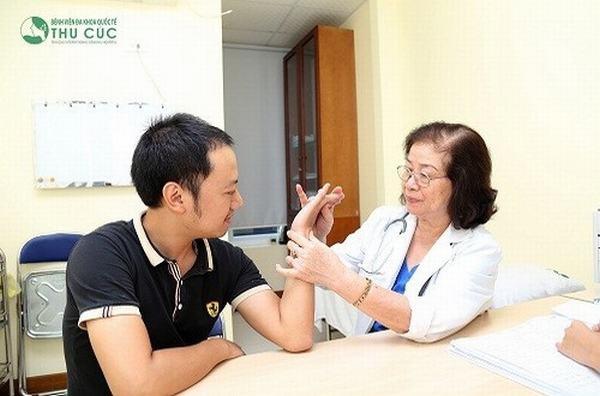 Đau xương khớp là dấu hiệu cảnh báo bệnh gì? - Ảnh 2.