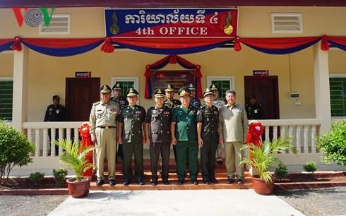 Quân đội Campuchia khánh thành tòa nhà làm việc do Việt Nam tài trợ - Ảnh 1.